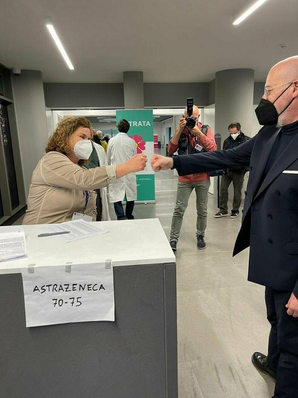 Vaccinazioni Emilia-Romagna, oltre 77mila prenotazioni di 70-74enni