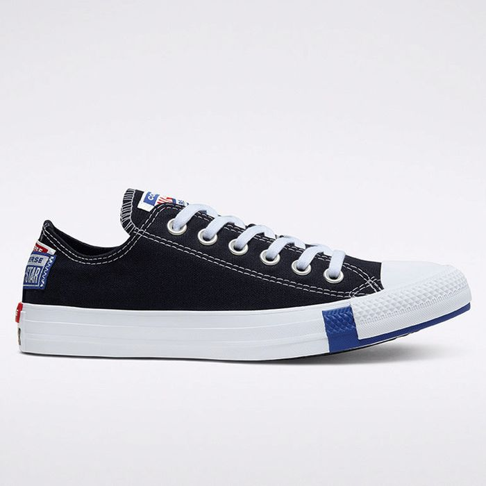 Converse Chuck Taylor All Star Logo Stacked Unisex Shoes (9000049672_44787)