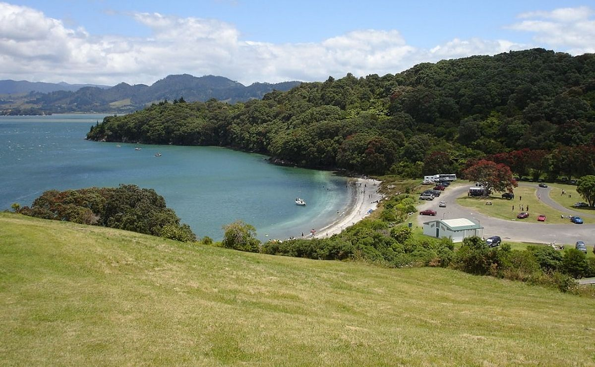 Waihi Beach to Shelly Bay - Beautiful Bays and High Hills