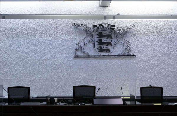 Prozess am Stuttgarter Landgericht: Mann mit Verfolgungswahn würgt seine Schwester - Esslinger Zeitung