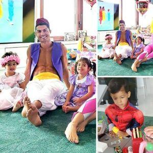 Кристијано Роналдо и Џорџина со децата маскирани за ...