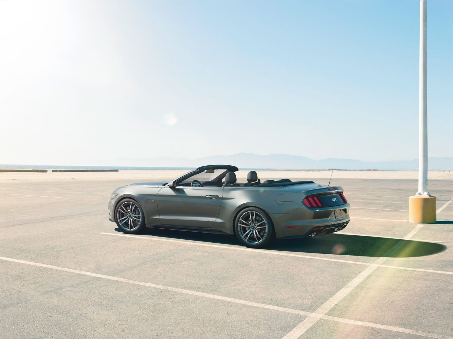 [Image: s550_feature_1480x700_convertible-top-down.jpg]