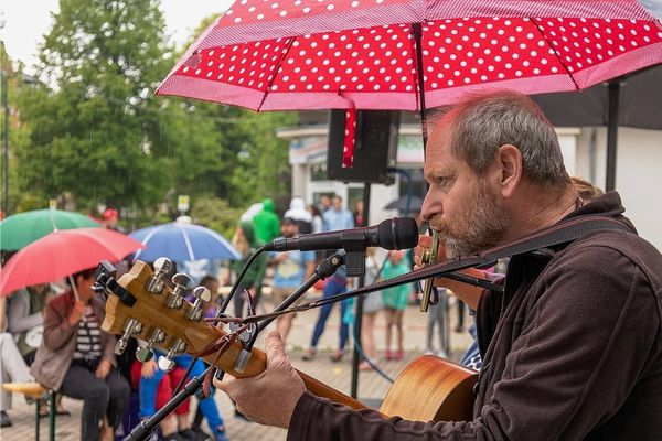 Künstler und Publikum genießen Konzert in Grünbach   Freie Presse - Auerbach