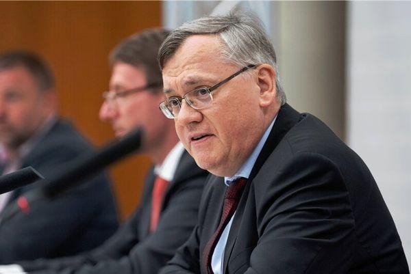 Wenn der Verfassungsschutzchef selbst von Datenmüll spricht   Freie Presse - Sachsen