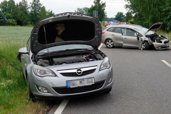 Schwerer Verkehrsunfall in Richtung Mittweida   Freie Presse - Mittweida
