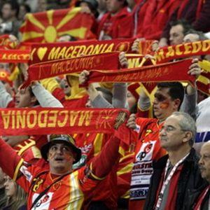 БЛИЦ ВИДЕО: Македонците се во градот! Ниш 2012