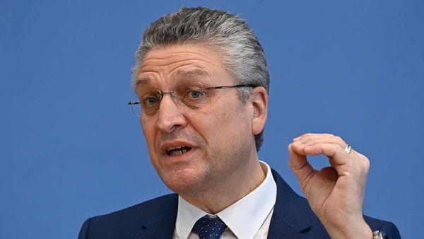 Corona in Deutschland: Inzidenz steigt ungebremst - doch Bundesland öffnet Außengastronomie