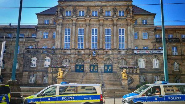 Corona-Demo in Kassel: Polizei bereitet sich trotz Verbot vor - Innenstadt abgeriegelt