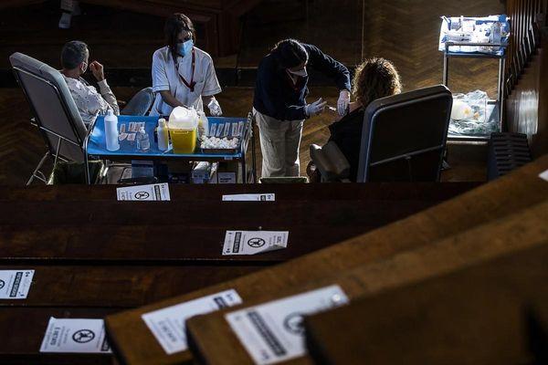 Coronavirus, in Italia cresce ancora il tasso di positività