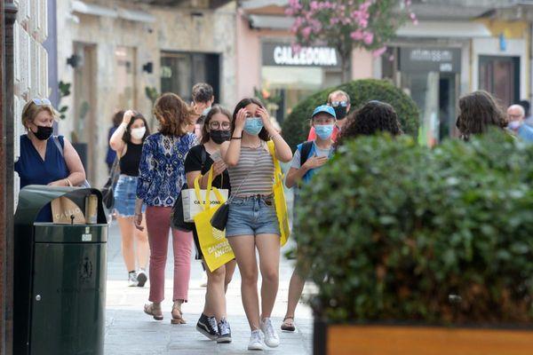Leggero incremento dei casi covid in Italia, ma il tasso di positività è allo 0, [...]