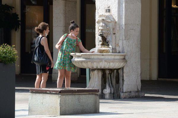 Con 38.602 tamponi effettuati, sono 661 i nuovi positivi in Lombardia, 53 nella  [...]