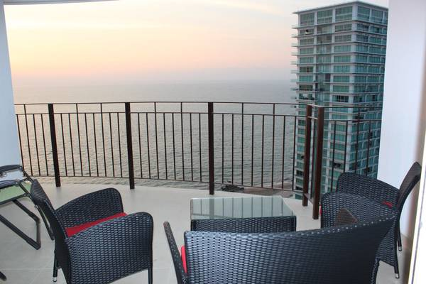 Beautiful views of the horizon from the patio