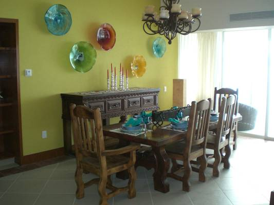 Beautiful table set with bright and colorful decor