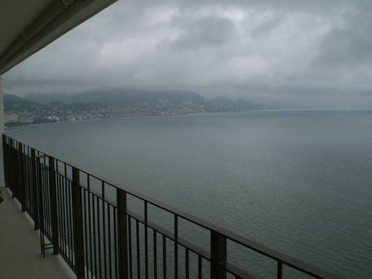 Amazing view of the ocean and mountains that characterize Puerto Vallarta