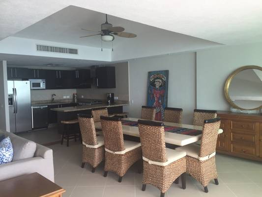 Cute and stylish condo with fully equipped kitchen and cooking utensils