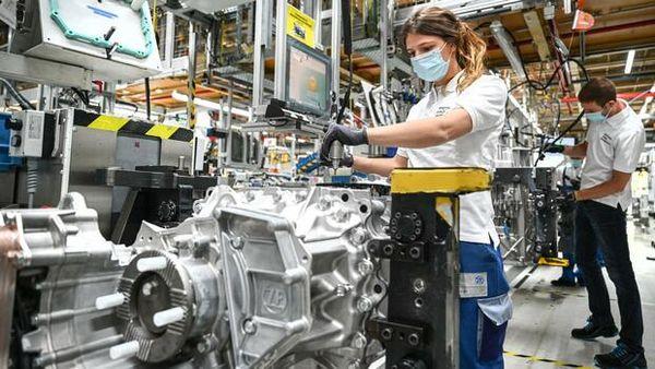 Autoindustrie & Chipmangel: Autozulieferer belastet die Chipkrise stärker als Autobauer