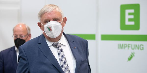 HA+ Coronavirus in NRW: Laumann sieht Ende für Impfzentren – keine Sonderaktion für Kinder – Liveblog