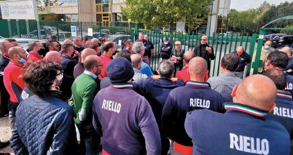 La Riello non cambia idea, chiude tutto e lascia l'Abruzzo