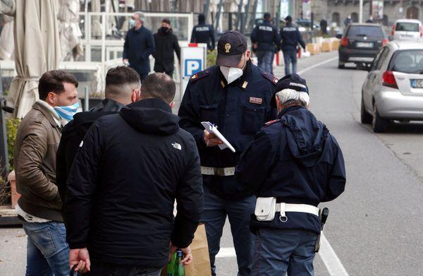 Coronavirus, controlli in aumento a Pasqua: 105 multe a Napoli, 50 in provincia - Ildenaro.it