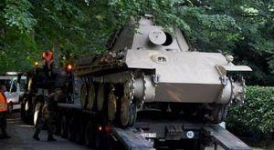 Pensionato tedesco con un carroarmato della Seconda guerra mondiale in giardino: condannato a 14 mesi