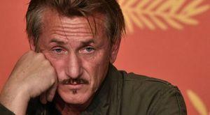 Sean Penn, stoccata contro i No-vax: «È come puntare una pistola carica in faccia a qualcuno»