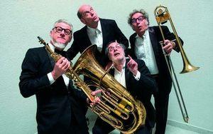 La Banda Osiris: «Facciamo suonare le vacche». Concerto in malga, pezzo forte