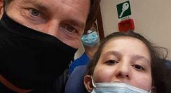 Totti in ospedale da Ilenia, la ragazzina che si è svegliata dal coma dopo il messaggio dell'ex capitano