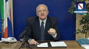Vincenzo De Luca e il terzo mandato: il governatore prepara il tris grazie a un buco della legge elettorale