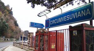 Circumvesuviana, manca il personale: cancellate 18 corse, disagi per turisti