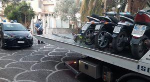 """Calvizzano: sequestrati motorini rubati, uno dei proprietari aveva simulato il furto e poi venduto """"a nero"""" il veicolo"""