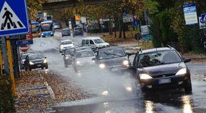 Maltempo, Perugia sott'acqua: case allagate, decine di emergenze. Pioggia fino a mercoledì