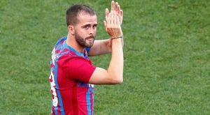 Il Napoli si mette in fila per Pjanic: il Barça ascolta tutte le offerte