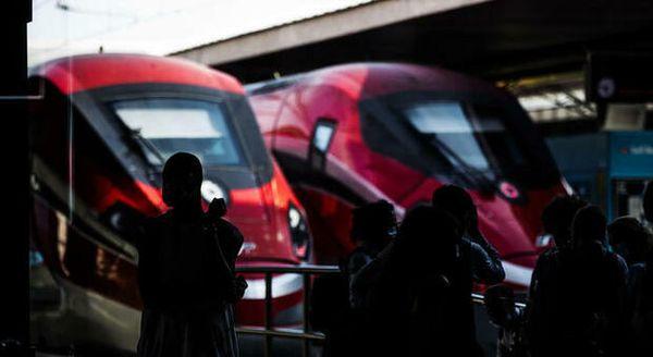 Fs lancia i treni Covid-free: via il 16 aprile, tampone anche in stazione e rimborso del biglietto per i positivi