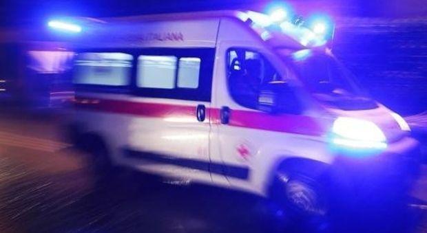 Agguato Napoli uomo ospedale con colpo pistola all addome è grave