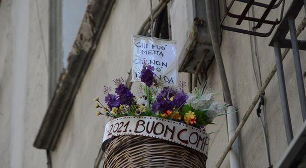 Napoli, una petizione on line per salvare la solidarietà e il teatro di Perzechella