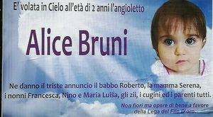«Un angioletto è volato in cielo», Alice Bruni muore a 2 anni: l'intera comunità di Corinaldo sconvolta