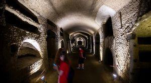 Catacombe di Napoli, turismo da record al rione Sanità: «Crescita del 10% sul 2019»