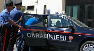 Violenza in famiglia ad Afragola: uomo maltratta la moglie e cambia la serratura di casa, arrestato
