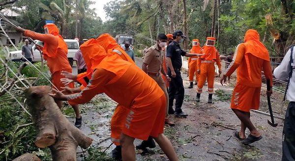 India, non solo Covid: il ciclone Tauktae si abbatte sul Paese, morti e dispersi. È il più violento dal 1998