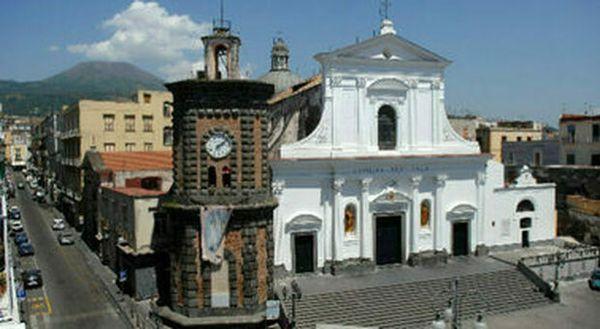 Covid a Torre del Greco, morta una 37enne: la vittima più giovane