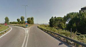 Incidente sull'Asse Mediano a Napoli: ciclista muore in scontro con furgone