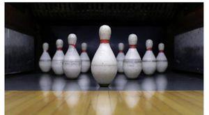 Violentata a 16 anni a una festa di compleanno al bowling, i gestori le offrono ingressi omaggio per farla tacere