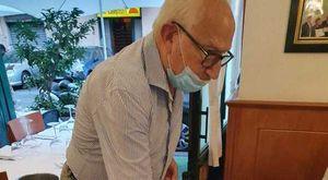 «Napoli, non si trovano camerieri: in sala mio cugino ottantottenne»