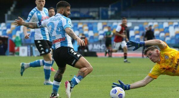 Il Napoli e le ombre (bianconere) del campionato perso tre anni fa
