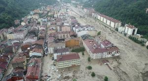 Alluvione in Turchia, i morti salgono a 44. Le testimonianze choc: «Donne e bambini dispersi»