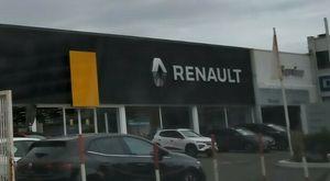 Retromarcia Renault «ceduti» 70 lavoratori della filiale di via Antiniana