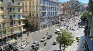 Napoli, rimossi manufatti e tettoie abusivi: riqualificata via De Filippo