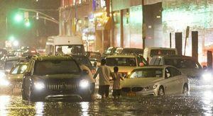 New York, piogge record e allagamenti per l'uragano Ida: è emergenza