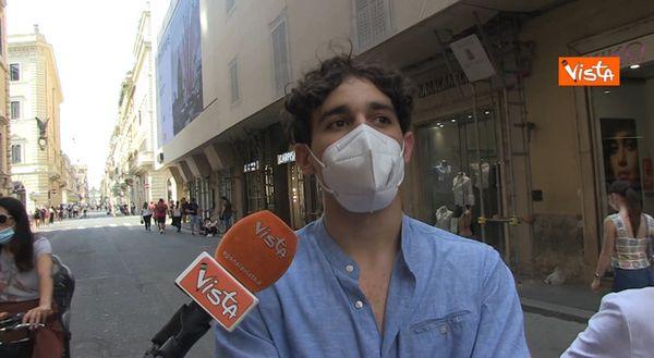Zona bianca, nel Lazio abolito il coprifuoco. I commenti a Roma: «Questa notte in giro con gli amici»