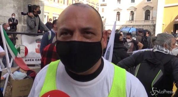 Roma, protesta ristoratori e guide turistiche: «O lavoriamo o vogliamo indennizzi»